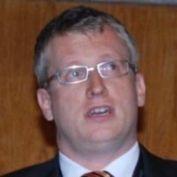 Steffen R. Giessner